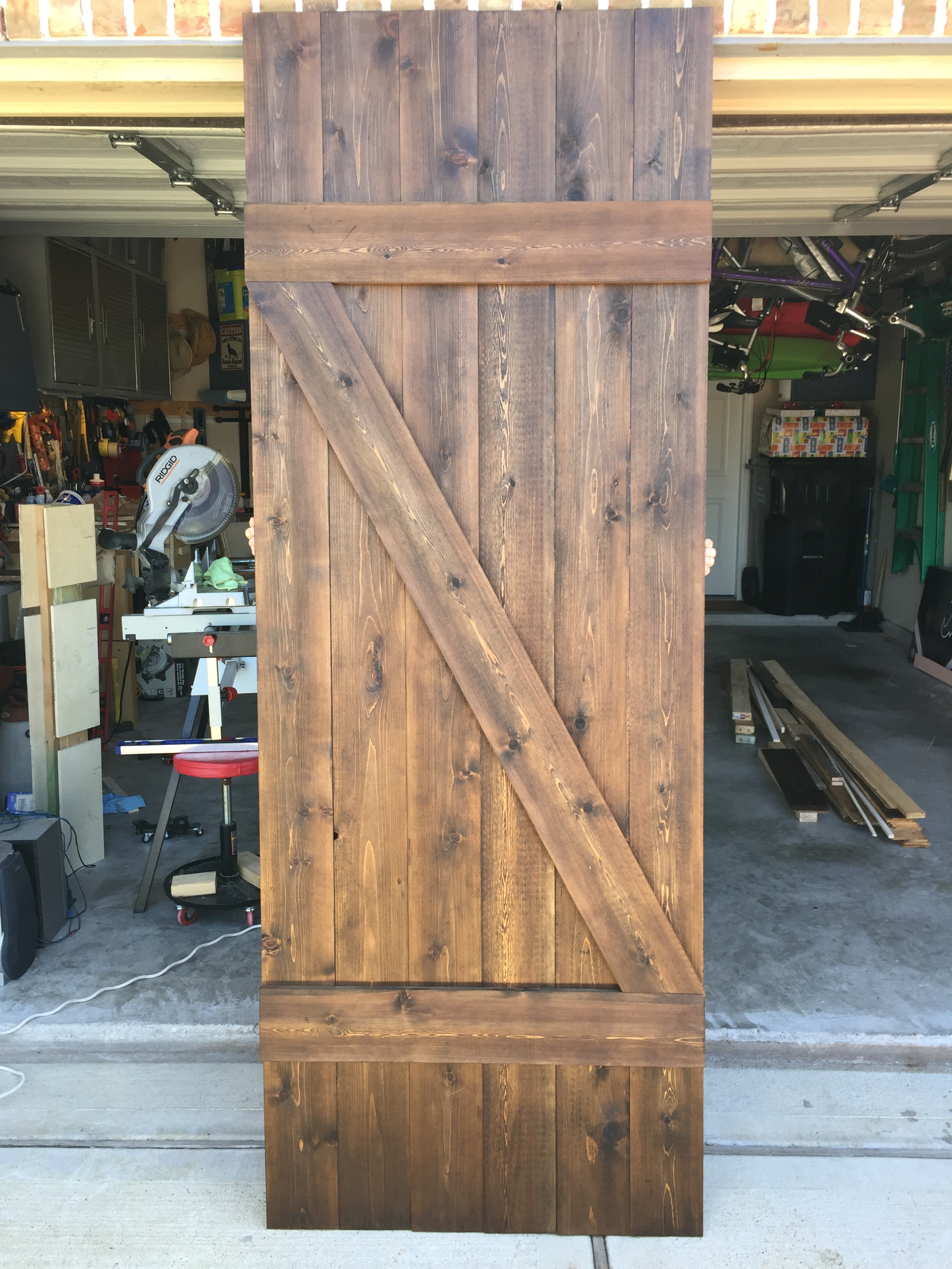 Rustic barn door ginnyg designs for Rustic barn designs